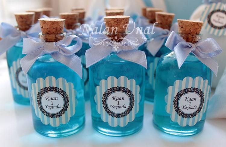 1 yaş doğum günü mavi duş jelli şişe