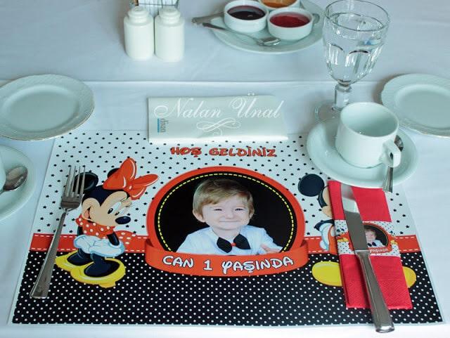 Mickey temalı amerikan servisler ve parti süsleri