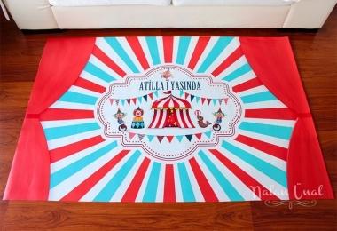 Sirk temalı doğum günü posteri