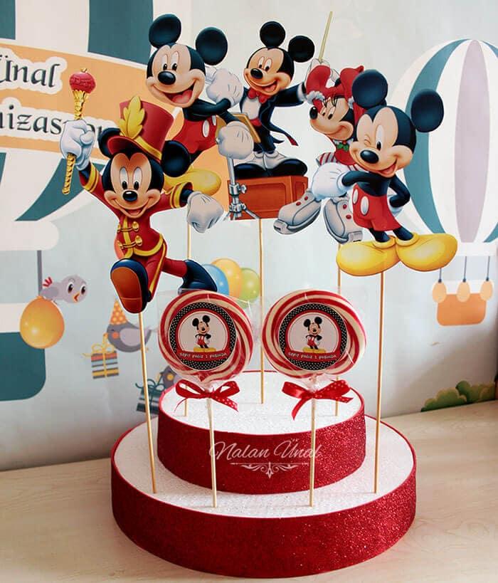 Mickey mouse temalı şeker standı