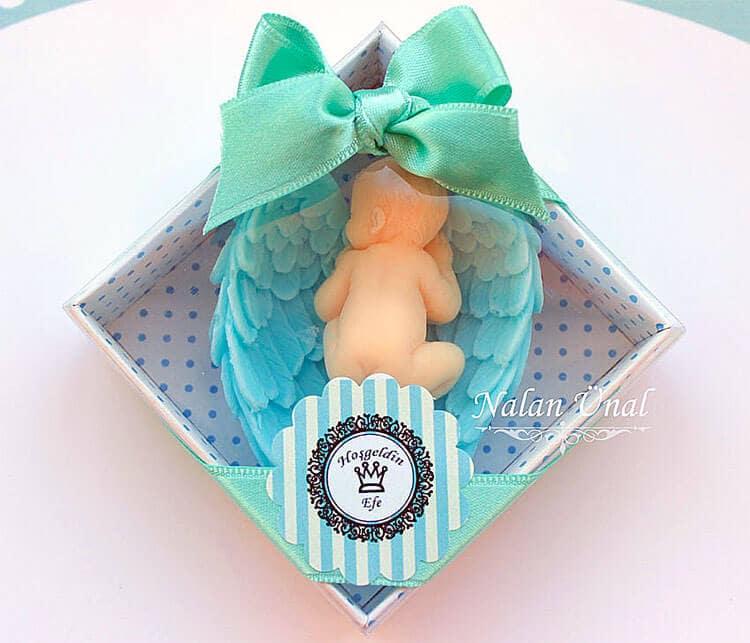 Bebek doğumu için hediyelik sabun