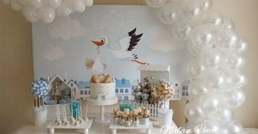 Baby shower konsepti masası